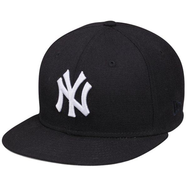 Recycled-Novelty-Style-Me-Sporty-Featuring-Fanatics-New-Era-New-York-Yankeed-Hat-by-Whitney-Leigh-Young